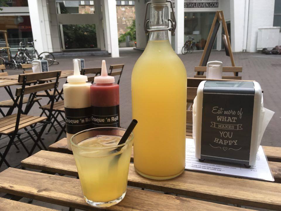 Homemade Limonade Op Basis Van Onze Ijsthee